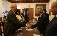 السيد محمد ساجد يلتقي بعمدة 'بودابيست' عاصمة هنغاريا.