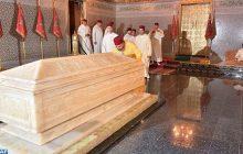 أمير المؤمنين صاحب الجلالة الملك محمد السادس يترحم على روح جلالة المغفور له الملك محمد الخامس