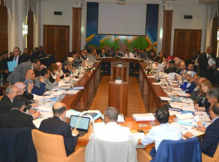 لجنة المالية والتنمية الاقتصادية بمجلس النواب تصادق بالأغلبية على الجزء الأول من مشروع قانون المالية لسنة 2020